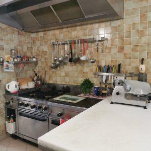 Une cuisine toute équipée
